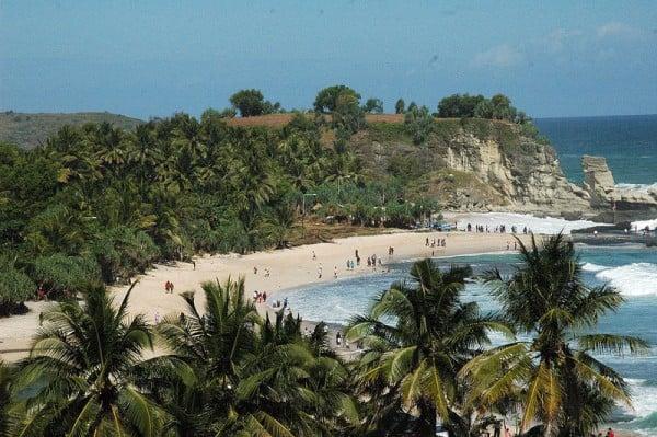 Pantai Klayar Pacitan, Pesona dan Eksotisme Wisata Bahari di Jawa Timur