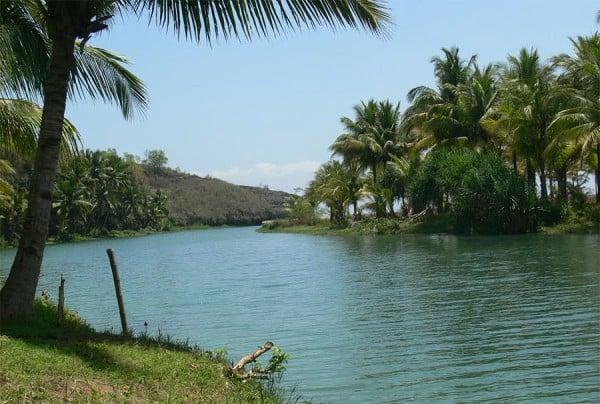 Aliran Indah Wisata Sungai Maron Pacitan Jawa Timur