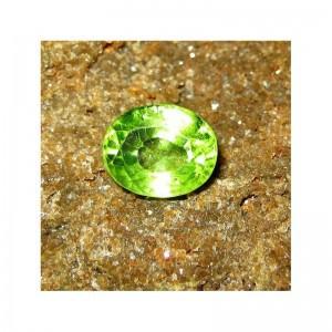 Batu Permata Peridot 1.80 Carat Yellowish Green Kualitas Bagus