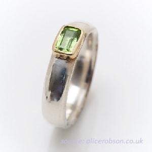 cincin batu peridot untuk pria, model sederhana namun exclusive